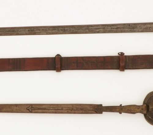 A lot with (3) various swords, a.W. (2) touareg swords, North Africa, 19th/ 20th…