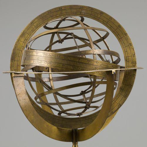 A brass spherical astrolabe/ armillary sphere / globe, late 19th. C. 浑天仪是天空中物体的模…