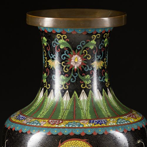 A cloisonne vase with dragon decoration, China, late 19th century. Dim. 48 x 23 …