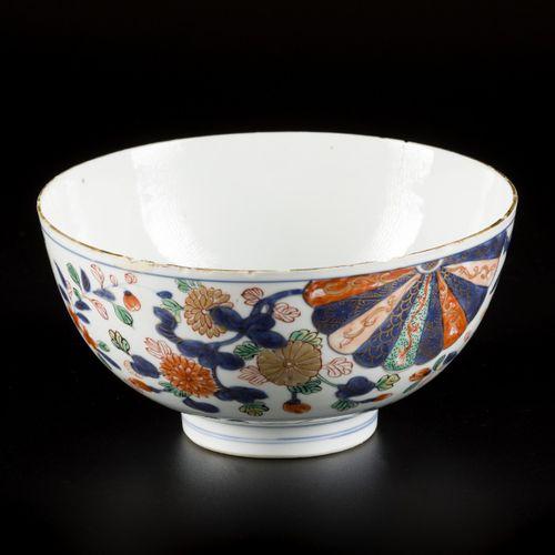 A porcelain Ko aka e bowl, made for the Japanese market, China, 18th century. 直径…