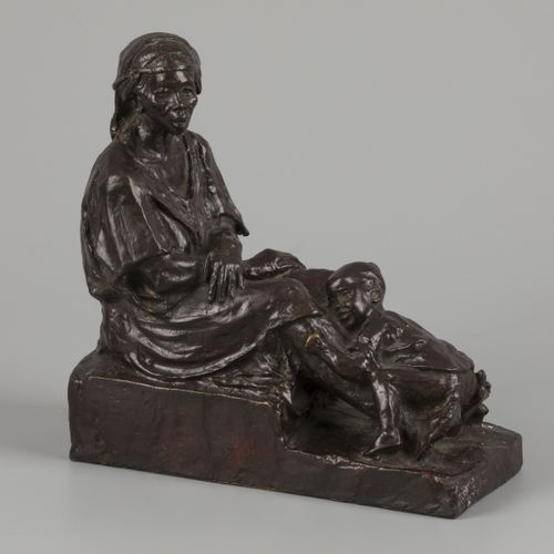 Alfredo Pina (1883 1966), African lady with child, bronze, France, 1st half 20th…