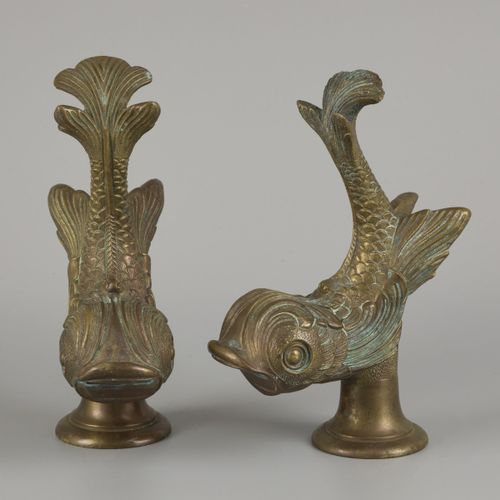 A set of (2) bronze water faucets in the shape of fish, France, ca. 1900. 嘴里有开口,…
