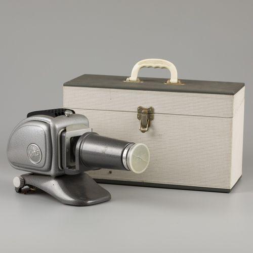 Noris Plank 300 metal diapositive projector, '60s. Dans son étui d'origine. Esti…