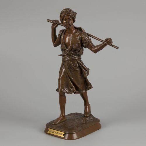Emile Pinedo (France, 1840 1916), A bronze sculpture of a walking Arab Arabe en …
