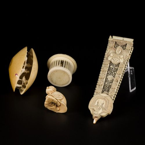 A lot with (4) ivory and bone objects, amongst others netsukes. China, ca. 1900.…