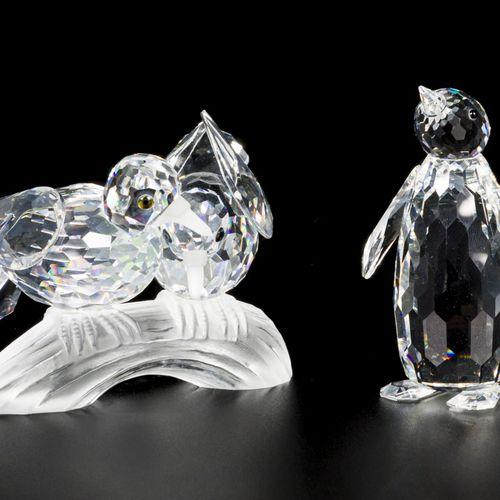 (2) piece lot of Swarovski miniatures Composé de : 2 tourterelles et un pingouin…