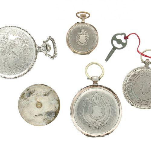 Lot (4) Pocket watches Silver and Steel Los movimientos no están probados. 3 x p…