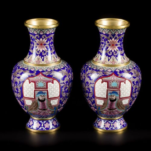 A set of (2) cloisonne vases with decor of a Mongolian ruler, China, 2nd half 20…