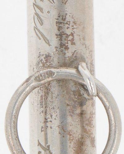 Rattle silver. Großes Modell mit 2 Kugeln, verziert mit Perlenrändern. Niederlan…