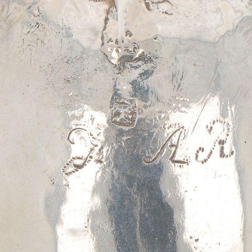 Commemorative spoon silver. Geformtes Modell mit geflochtenem Griff, gekrönt mit…