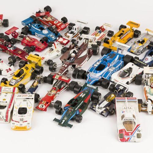 (37) piece lot Formula 1 model cars 由各种品牌组成,包括Polistil, Verem, Politoys, Mebetoy…
