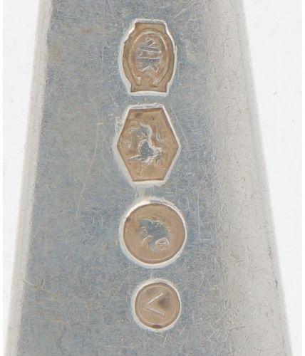 "(4) piece lot ""Haags Lofje"" silver spoons. Bestehend aus: 2 Kartoffellöffeln, Ge…"