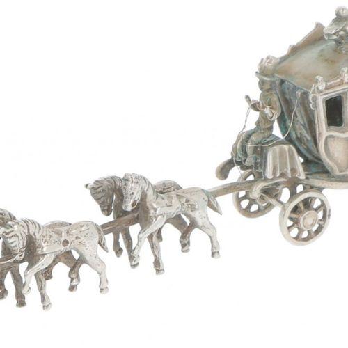 Miniature royal carriage with six horses in silver. Très détaillé. Pays Bas, 20e…