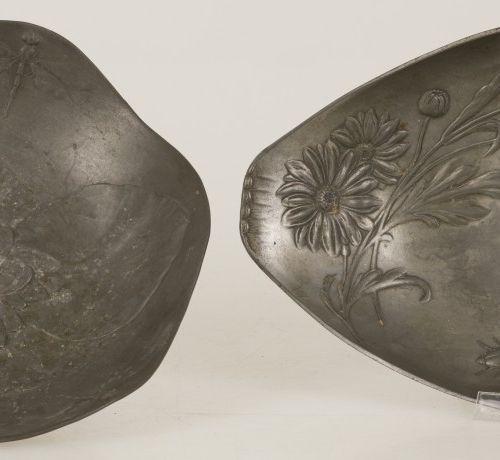 A lot of (2) pewter Art Nouveau fruit bowls, Germany, ca.1900. L'un décoré d'un …