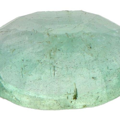 GJSPC Certified Natural Emerald Gemstone 2.31 ct. Schliff: Oval gemischt, Farbe:…