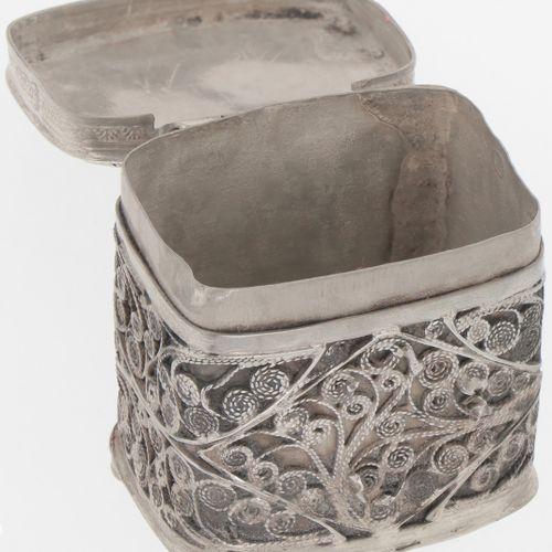 Loderein box silver. Con adornos de filigrana soldados. Países Bajos, Schoonhove…