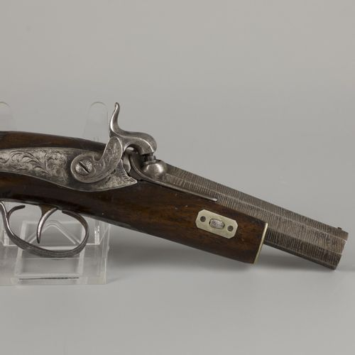 A 19th C. Percussion pistol with ciseled barrel. Ladestock fehlt.  Länge über al…