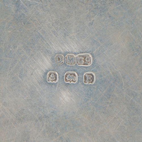 Compact / Powder box silver. Kleines rundes Modell mit zusammengesetztem Deckel.…