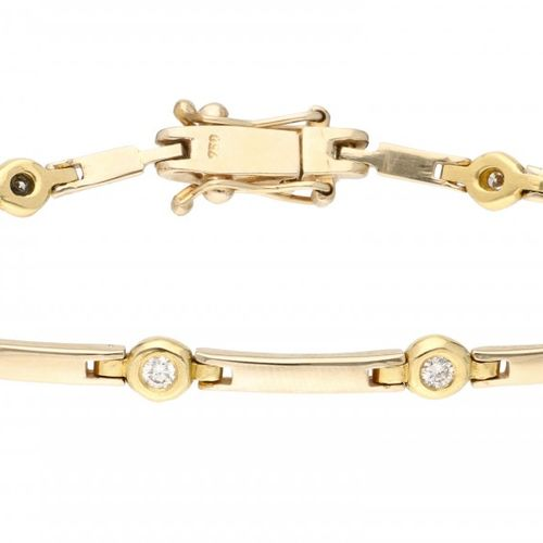 18K. Yellow gold bracelet set with approx. 0.30 ct. Diamond. 有两个安全夹子。10颗明亮式切割钻石(…