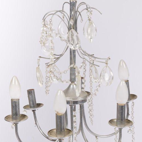 A six light hanging lamp/chandelier, 20th century. Avec pendentifs en verre.  H.…