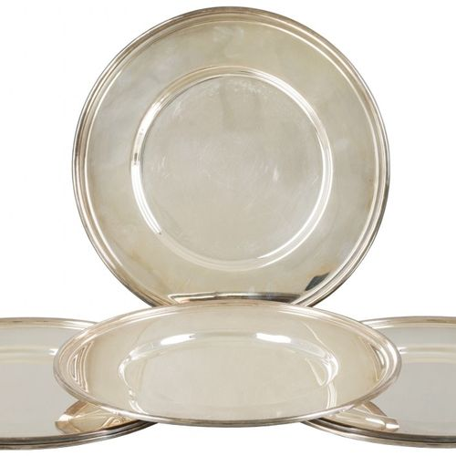 (6) piece set silver plated bottom plates. Diseño elegante con un borde elevado.…
