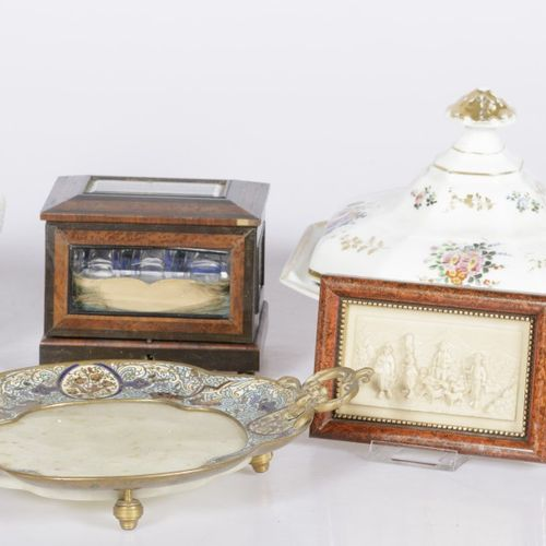 A lot of miscellaneous items including a glass ginger cup, a porcelain lidded di…