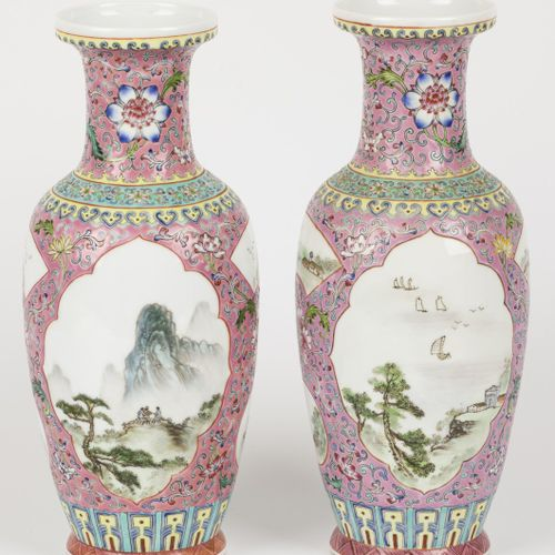 A set of (2) porcelain vases with Famille Rose decor. China, 2nd half 20th centu…