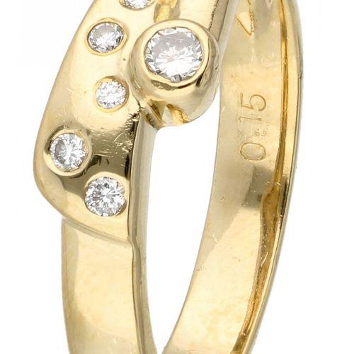 14K. Yellow gold ring set with approx. 0.08 ct. Diamond. 6 Diamanten im Brillant…