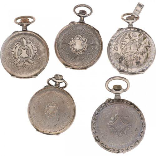 Lot (5) Pocket Watches Silver Lote de 5 relojes de bolsillo de señora, los movim…
