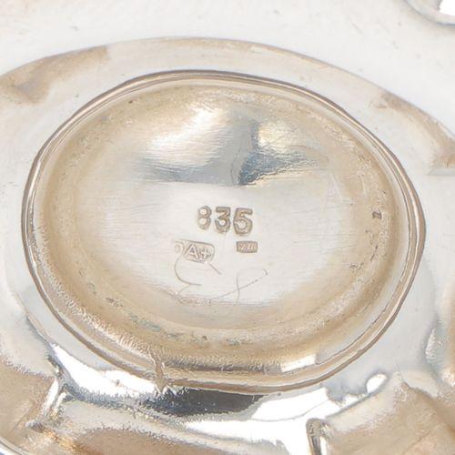 Creamer set silver. Gelapptes Modell mit gravierten Zierbändern und geschwärztem…