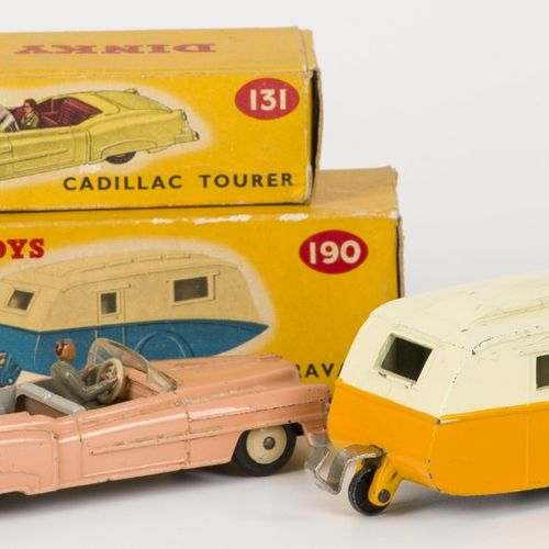 Dinky toys 131 Cadillac Eldorado roadster & 190 Caravane 完整的原版包装盒,处于轻微玩耍的状态。50/6…