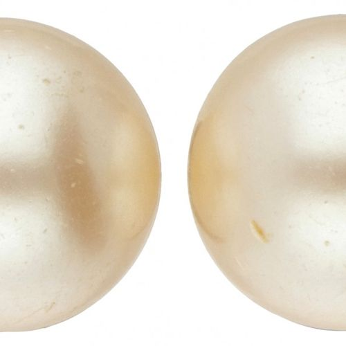 Silver clip earrings set with freshwater pearls 835/1000. Punziert: 835. Mit 2 S…