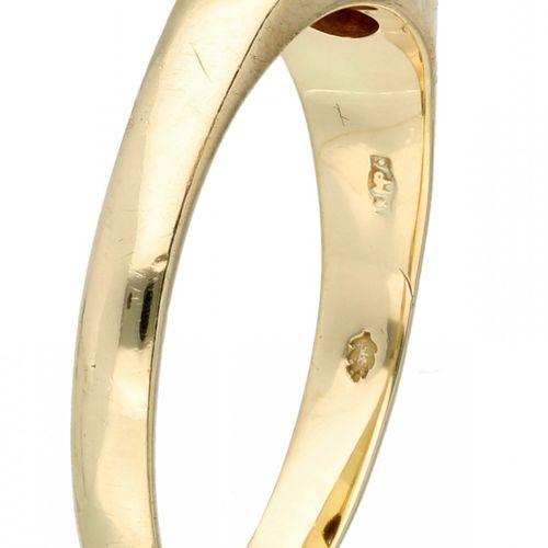 14K. Yellow gold solitaire ring set with approx. 0.06 ct. Diamond. Herstellerken…