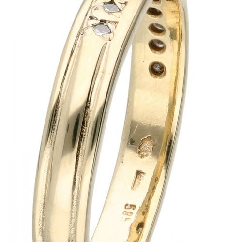 14K. Yellow gold shoulder ring set with approx. 0.21 ct. Diamond. 11 diamantes d…