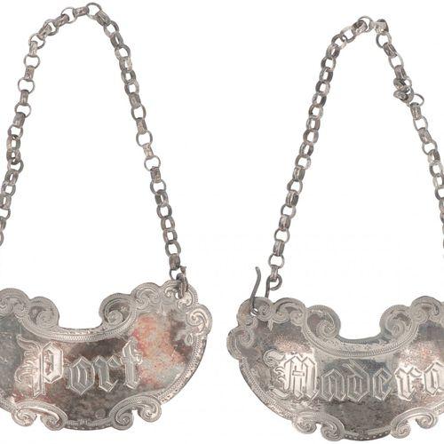 (5) Piece lot various silver. Orné d'accessoires en argent, composé de 2 carafes…