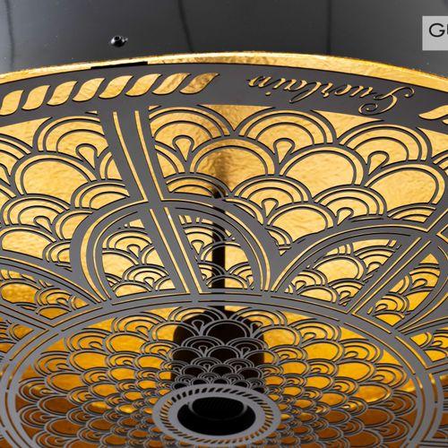 En provenance de l'ancien siège de GUERLAIN Plafonnier en fibre de verre laquée …