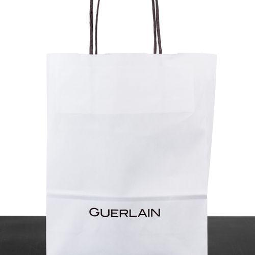 En provenance de l'ancien siège de GUERLAIN Dans un petit sac en papier GUERLAIN…