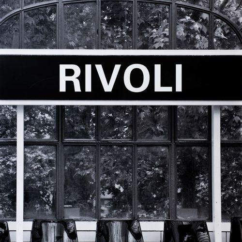 """En provenance de l'ancien siège de GUERLAIN Impression photographique """"Rivoli"""". …"""