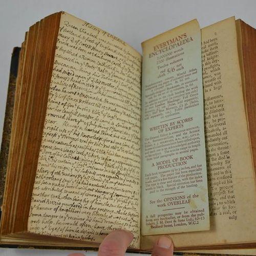 """Une nouvelle histoire de l'Angleterre, avec une note manuscrite """"Cette histoire …"""