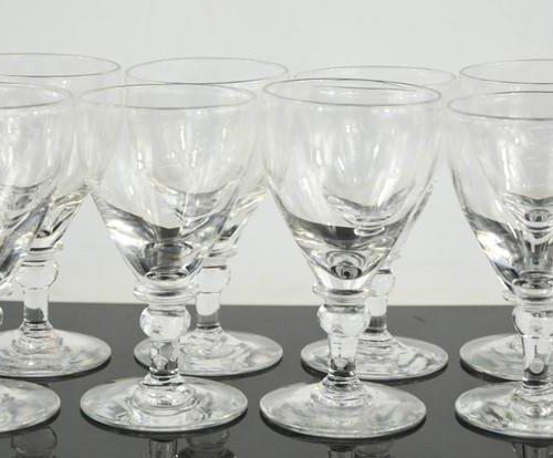 Un ensemble de huit verres du 19ème siècle, 9cm de haut.
