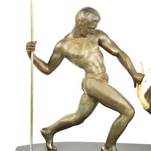Kowas (20e siècle) : un groupe de figurines en acier inoxydable Art Déco intitul…