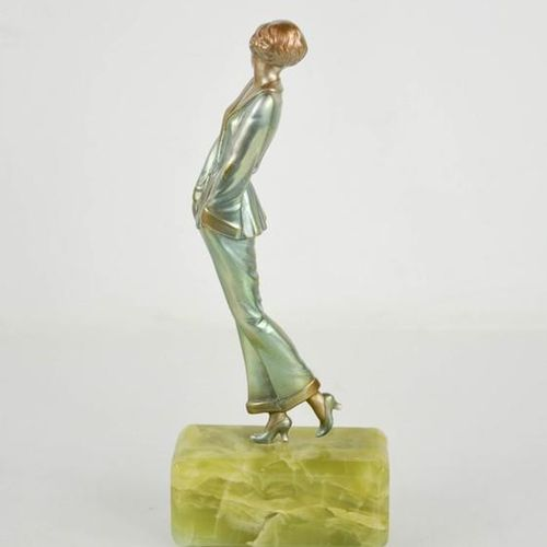 Josef Lorenzl (1892 1950) : Pyjama Girl, figurine Art Déco vers 1930, reposant s…