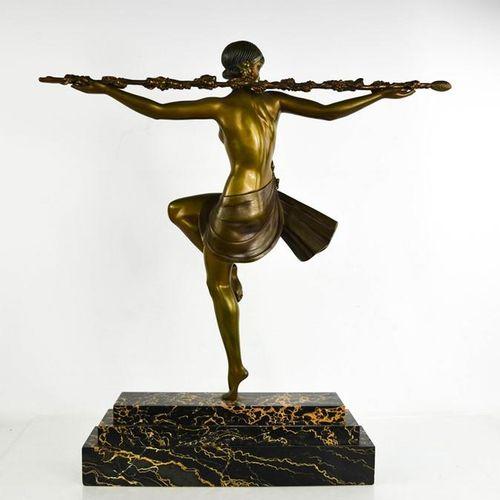 Pierre LeFaguay (20ème siècle) : Danseuse avec Thyrssus, patine bronze doré, rep…