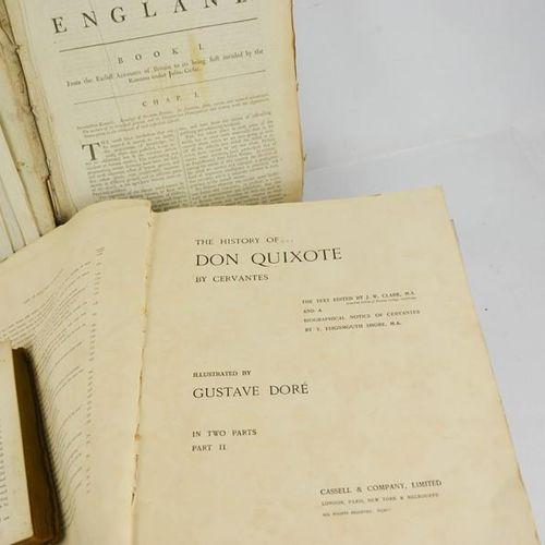 Une grande Histoire de l'Angleterre du 18ème siècle, ainsi que d'autres livres.