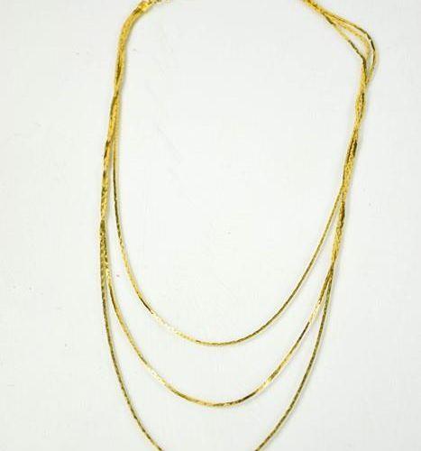 Un collier en or 9ct (non marqué), 11.6g.