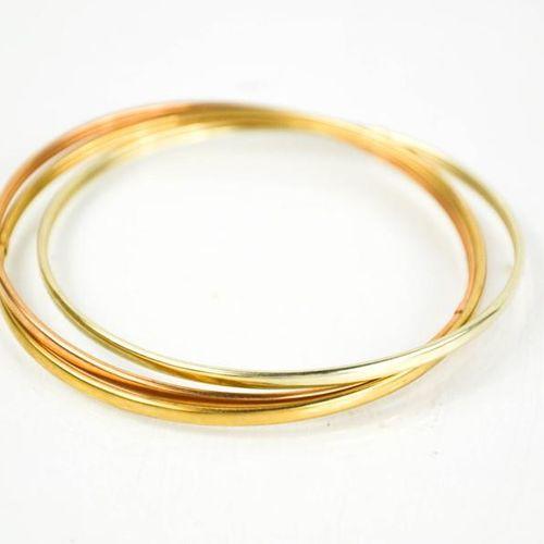 Bracelet en or rose, jaune et blanc (testé comme étant du 9ct), 10g.