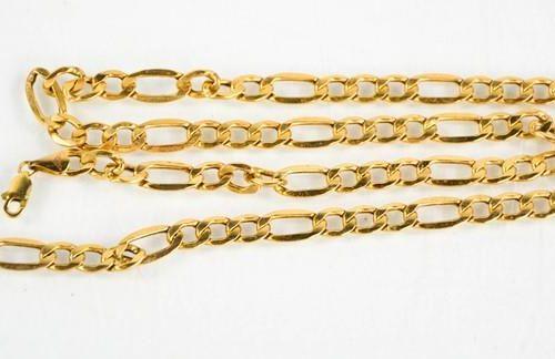 Un bracelet à maillons en or 9ct, 4.7g.