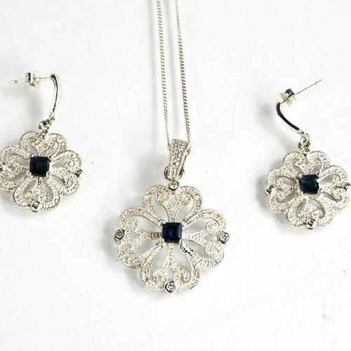 Paire de boucles d'oreilles et collier assortis en or blanc 9ct, diamant et saph…