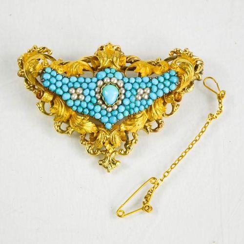 Une broche en or fin, turquoise et perles de semence, la grappe centrale de perl…