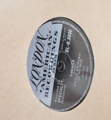 Un grand groupe de disques 78 tours comprenant Little Richard. Bill Hailey and h…